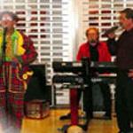 Ome Ron & clown Miko met muzikale Hans